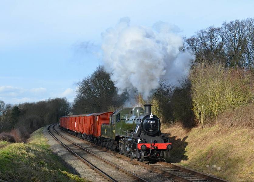 Image: Jacob Peatfield-Straw, 46521 running past Kinchley Lane