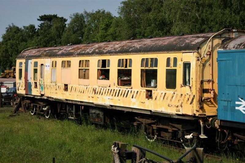 img_7127 the yellow coach - adb977107 (ex2877079964051870890..jpg