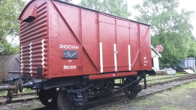 Covered wagon shock stripes